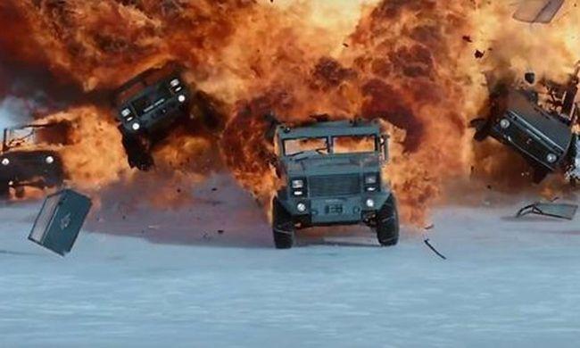 Explosionen und schnelle Autos in FAST & FURIOUS 8 / Bild: © UNIVERSAL PICTURES