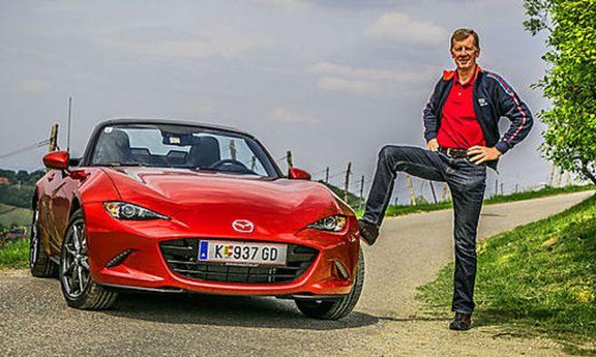 Zwei, die durch dick und dünn gehen: Walter Röhrl und der Mazda MX-5; (c) Foto: Oliver Wolf / Bild: Oliver Wolf